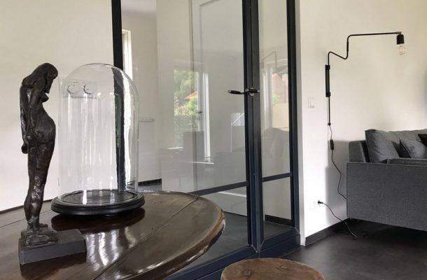 Afscheiding tussen hal en woonkamer - Kozijnstaal
